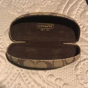Coach logo smaller sunglasses case